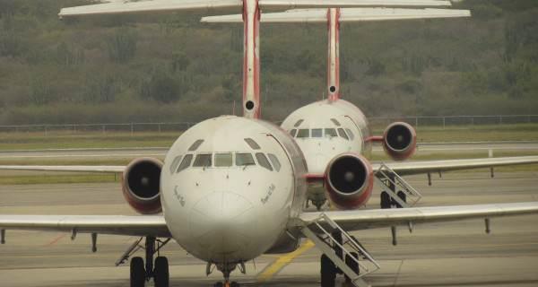 Aviones aislados por mala pagas -Aeropuerto de Maiquetia - RUNRUNES de Nelson Bocaranda