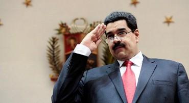 """Nicolás Maduro desafía a la oposición para que recoja firmas y """"revoquen"""" su mandato"""