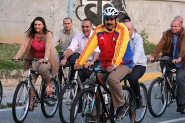 """¡UN GRAN INCAPAZ! Nicolás Maduro """"rompe récords"""" por sus fracasos en materia deportiva"""