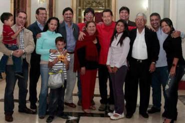 ¡GUERRA DE PODER! Maduro saca a la Familia Chávez de La Casona por altercado con Arreaza