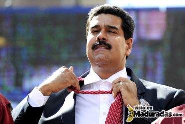 Maduro se quitó la corbata y el flux + FOTOS + VIDEO