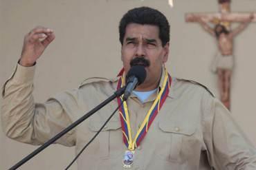 Maduro pide democracia en Twitter y anuncia independencia en las redes sociales