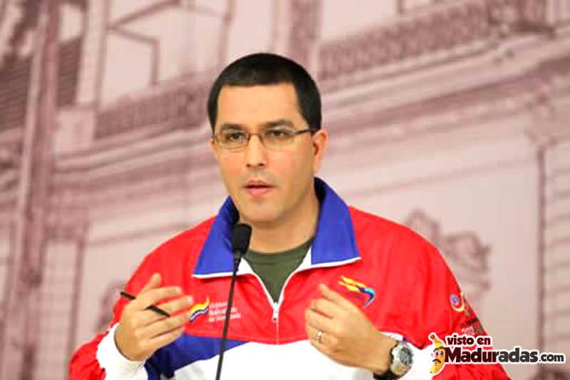 Vayanse de Venezuela dice Arreaza a comerciantes usureros