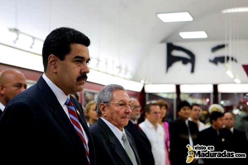 Raul Castro con Nicolas Maduro en la Celac