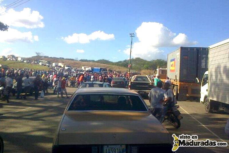 Ocumare-del-Tuy-Malandros-en-Venezuela-Delincuencia-2-800x533