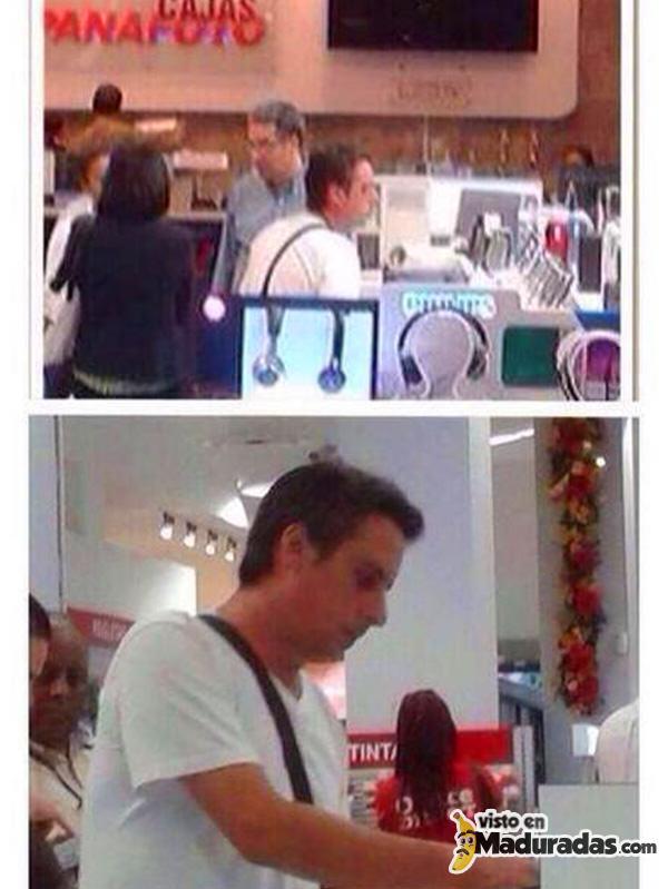 Roque Valero pillado de compras en un mall en Panamá.
