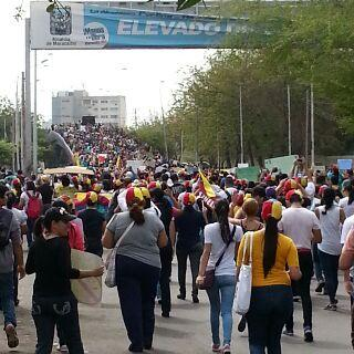 URBE-Universidad-Rafael-Belloso-Chacin-Protesta-de-Estudiantes-12F-800x533 (5)