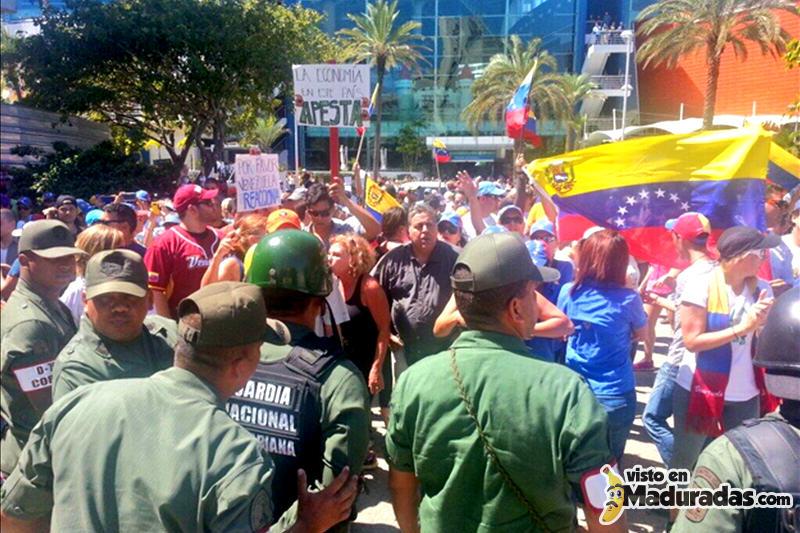 gnb ataca a manifestantes