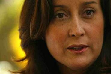 """¡DEPLORABLE! Rocío San Miguel: Es """"muy grave"""" insistir en un registro militar obligatorio"""