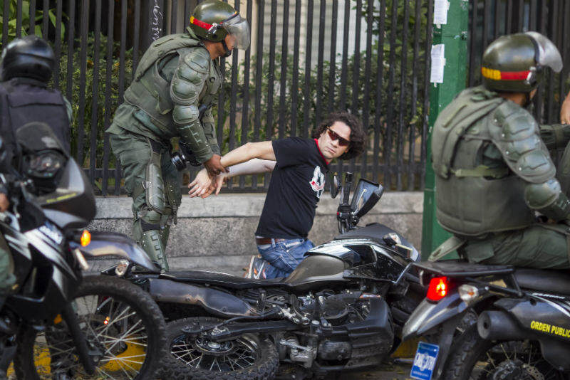 Caracas Altamira 16 de Marzo 16M GNB Protestas Guardia Nacional (2)