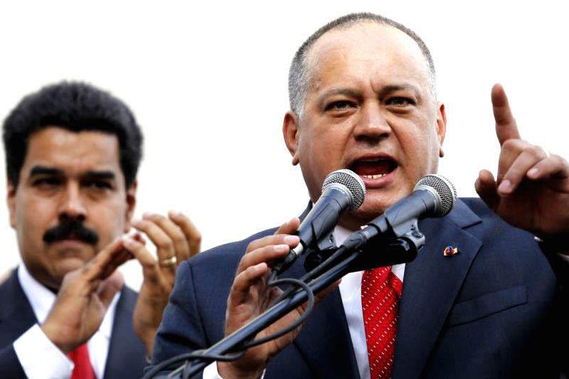 Diosdado-Cabello-con-Nicolas-Maduro-6-800x533-004