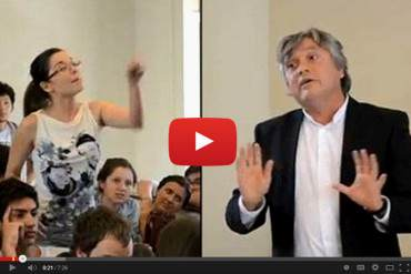 ¡LE CANTÓ SUS VERDADES! Joven venezolana es aplaudida tras enfrentar a senador chileno (Video)
