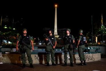 ¡MILITARIZACIÓN NO SIRVE PA' NADA! Hieren a hombre en intento de robo en Chacao