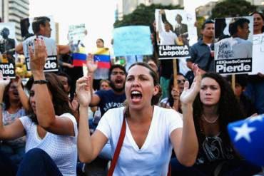 ¡EN BUSCA DE LA DEMOCRACIA! Estudiantes proponen convocar asamblea constituyente