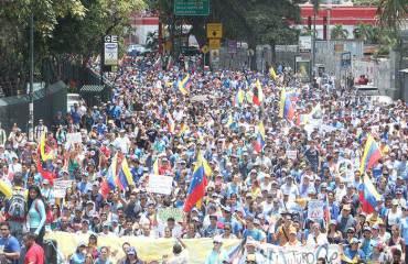 ¡EL CAMBIO VIENE PRONTO! La protesta sigue viva mientras Maduro pierde su legitimidad