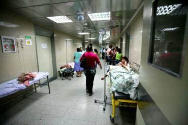 ¡GRAVE! Médicos denuncian muerte de 13 pacientes por falta de insumos en Hospital de Caracas