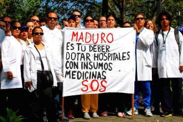 ¡AL BORDE! Clínicas exigen al Gobierno de Maduro que pague la deuda
