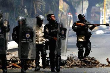 ¡SIGUEN LAS PROTESTAS! Hieren a un PNB durante enfrentamiento en la UNET (+ Fotos)