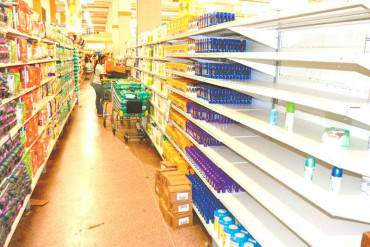 ¡LA PLATA NO ALCANZA! 77% de la población dice que compra la mitad de los alimentos que necesita
