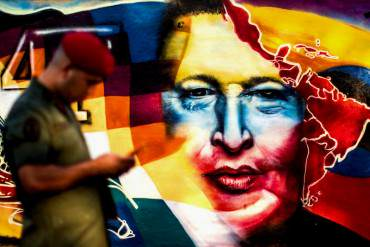 """Heinz Dieterich: """"El gran error del gobierno de Maduro es seguir con la idea de Chávez, insostenible"""""""