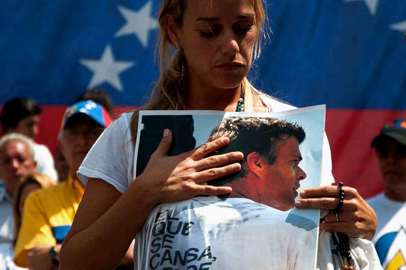 ¡RÉGIMEN INMORAL Y ABUSIVO! Amenazan a Lilian Tintori con prohibirle visitas a Leopoldo López