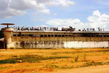 ¡URGENTE! Reos de la cárcel del Tocuyito habrían secuestrado a Baduel y Tirado tras motín