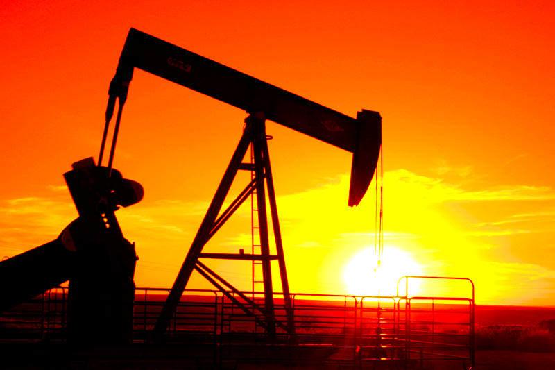 PDVSA-Riqueza-Venezuela-Extraccion-de-Petroleo-Pozo-Petrolero-05292014-3-800x533