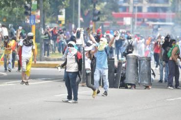 EN IMÁGENES: Así fue la brutal represión de la GNB y PNB en Las Mercedes este #12M