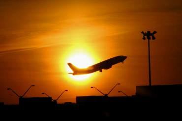 ¡PAÍS EN CRISIS! Ganancia de Avianca cae 84% por reducción de vuelos a Venezuela