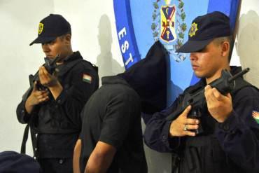 "Gobernador Henri Falcón presentó al ""Comandante Nevera"", presunto cabecilla de la quema de UFT (+ Fotos)"