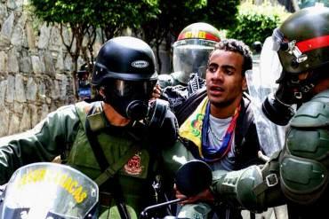 ¡REPRESIÓN! Detienen a 4 jóvenes tras protesta en Caracas este #29M (+ Fotos)