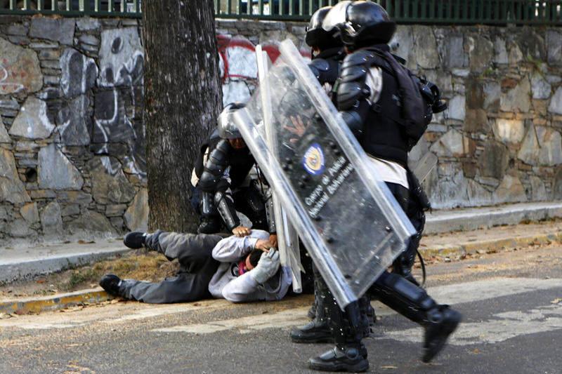 ¿BLANCAS PALOMAS? Ortega Díaz: hay 19 funcionarios detenidos por violaciones a DDHH