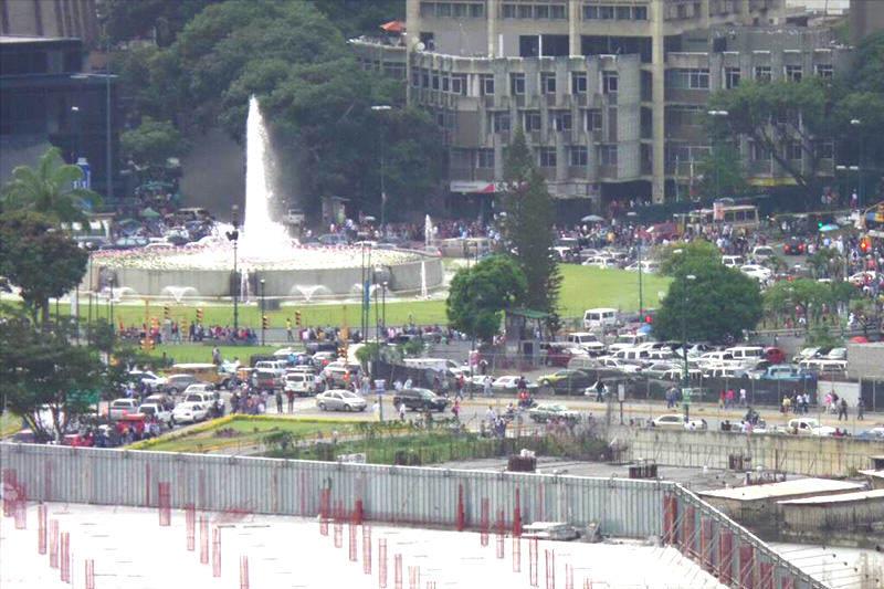 plaza-venezuela-caracas