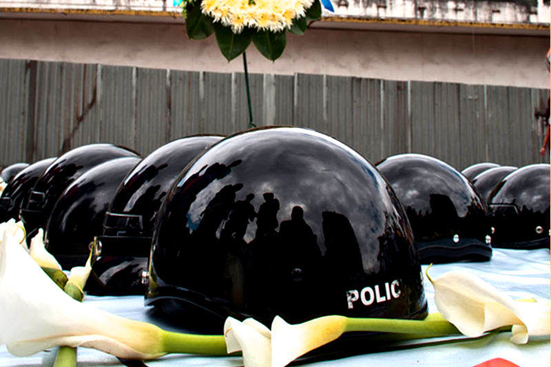 policia-casco