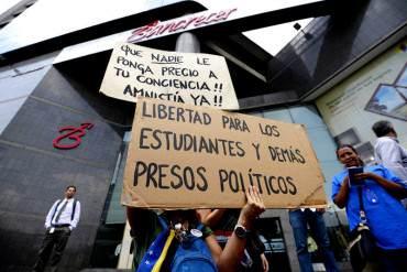 ¡PIDEN JUSTICIA! Estudiantes claman a ONU investigar violaciones a DDHH en Venezuela