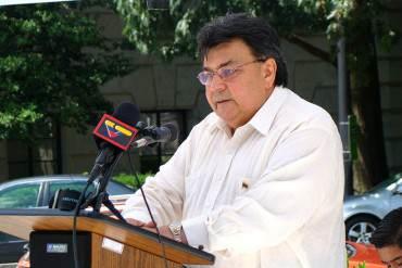 """¡SE LA FUMÓ! Calixto Ortega: """"Está demostrado el estatus diplomático de Carvajal"""""""