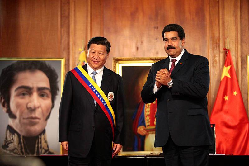 Maduro-y-presidente-chino-4