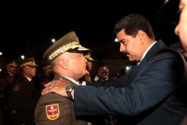 ¡INCREÍBLE! Solo Maduro podrá autorizar viajes al exterior de oficiales almirantes y generales