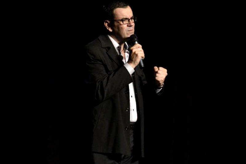 Laureano-Marquez-escritor-y-humorista-venezolano-6-800x533