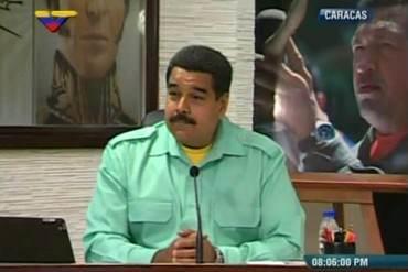 """¡EN PLENA CRISIS Y…! Maduro va al cine """"con peluca"""" para ver Libertador… ¡Y NO LA DE ROQUE!"""