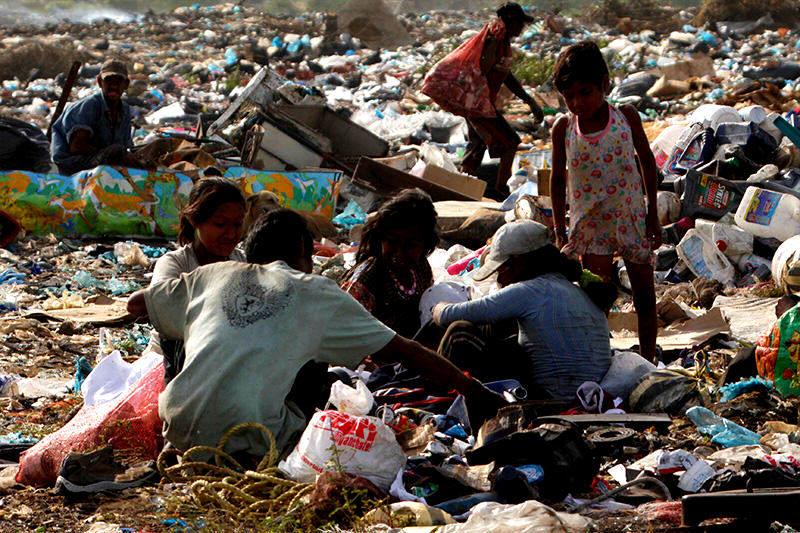 pobreza-miseria-niños-en-las-calles-2