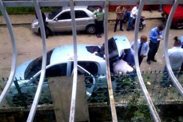 ¡TERROR EN CARICUAO! Hallan a hombre decapitado en la maleta de un carro (+Fotos)