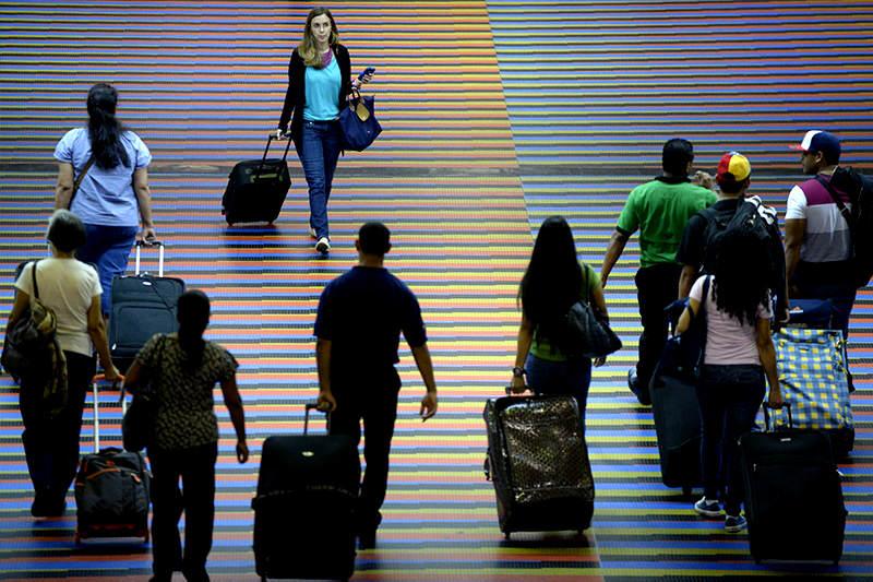 emigrar-aeropuerto-viaje-maiquetia-2