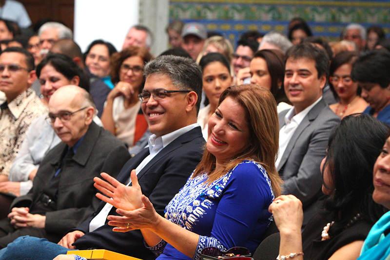 Elias-Jaua-y-esposa-Natacha