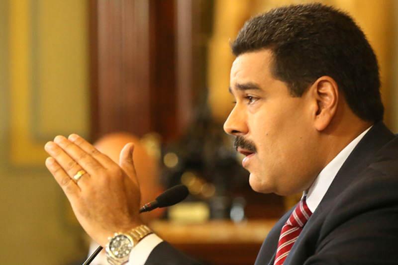Nicolas-Maduro-rueda-de-prensa-10-15-2014-2-800x533