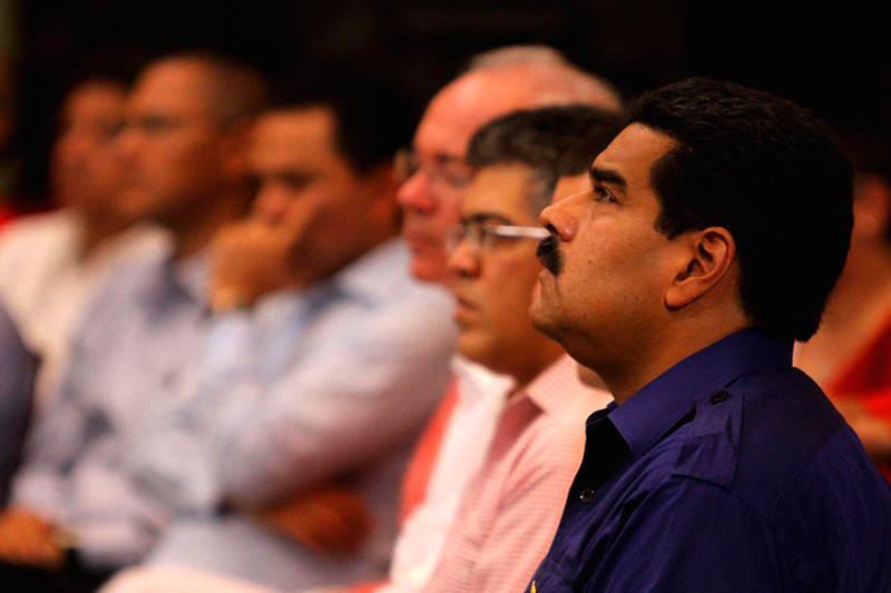 Gobierno-ministros-Maduro-preocupado-pensando