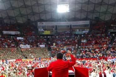 """¡LA GRAN FARSA! Maduro: """"Caiga lo que lo caiga el precio petróleo al pueblo no le faltará nada"""""""