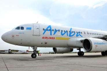 ¡INSÓLITO! Denuncian que Aruba Airlines obliga a viajeros venezolanos a firmar declaración jurada para descartar peticiones de asilo