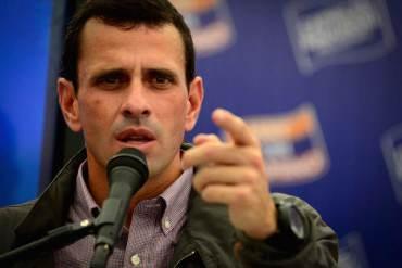 ¡DIRECTO! Capriles pide a Maduro trabajar en lugar de recoger firmas por supuesta invasión