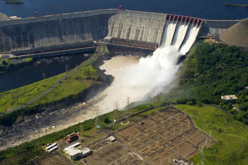 Jesse-Chacon-Embalse-Represe-del-Guri-Venezuela-Crisis-Electrica-CORPOELEC-800x533